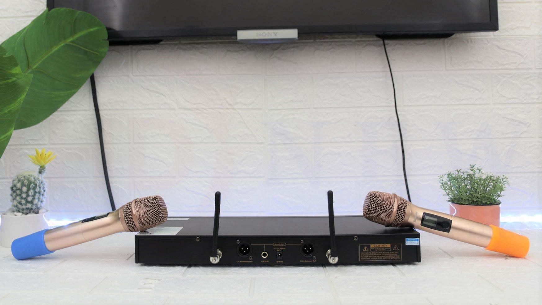 Micro Karaoke không dây DonBN U1880   HDnew Audio